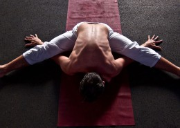 vincent-pezet-yoga-pose-upavista-basel